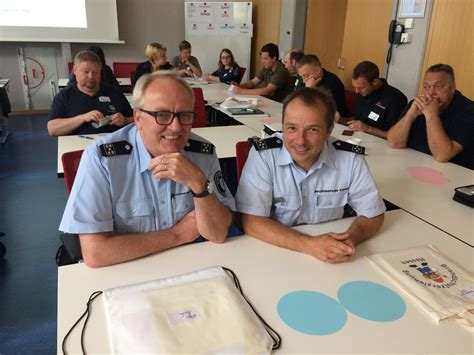 arbeit in kassel mehr ehrenamt in die schule am beispiel feuerwehr kassel 12 06 2018 ganzt 228 gig lernen hessen