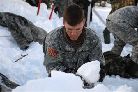 Italians teach troops how to navigate winter weather ...