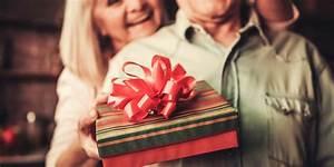 Cadeau 50 Ans De Mariage Parents : 50 ans de mariage cadeaux de noces d 39 or l gants ~ Melissatoandfro.com Idées de Décoration