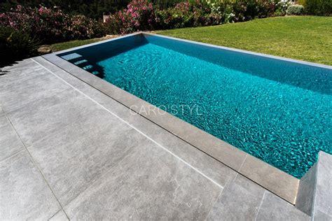 plage de piscine en carrelage quel rev 234 tement de sol pour une plage de piscine carrelage et salle de bain la seyne var caro
