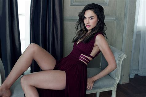 Gal Gadot Hot Hd Celebrities K Wallpapers Images Backgrounds Photos And Pictures