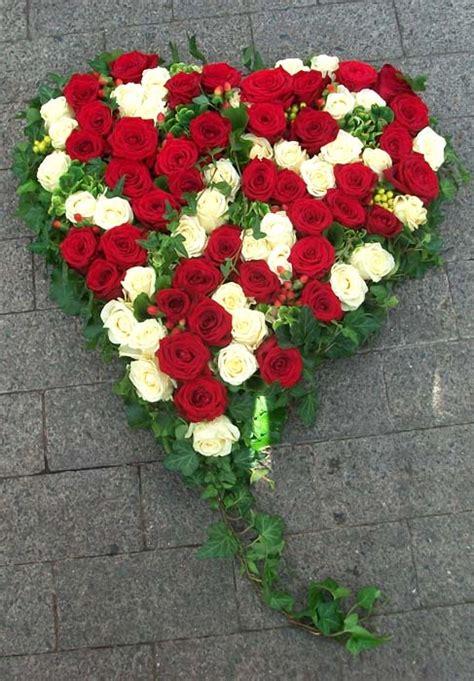 hochzeitsschmuck ein herz voller rosen gaertnerei