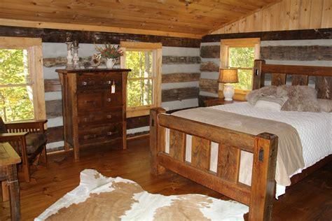 cozy  bedroom  bath log cabin   construction  stonebridge  offers  nice