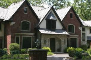 Surprisingly Brick And Stucco Homes by Brick With Stucco And Combinations Exterior