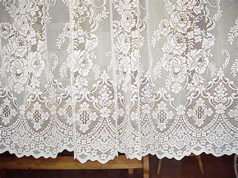 1 Vintage Victorian Cream Lace Curtain Panel 57 Wide