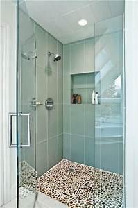 le carrelage galet pratique revetement pour la salle de bain With salle de bain design avec vasque en galet