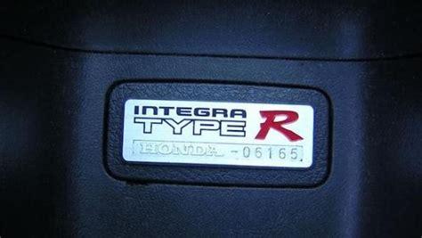 acurahonda integra type  interior badge comparison