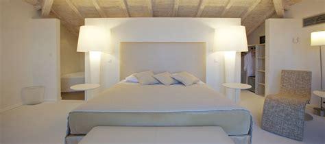 photo de chambre chambre de luxe hôtel santa ile rousse