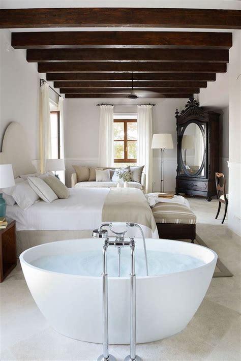salle de bain dans chambre une salle de bain ouverte sur la chambre pour ou contre
