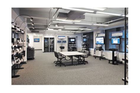Extron Opens Demo Facility In New York City Rave