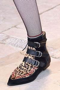 Tendance Chaussures Automne Hiver 2016 : chaussures tendance hiver 2017 guide chaussures montantes ~ Melissatoandfro.com Idées de Décoration