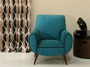 Petit Fauteuil De Salon : douze fauteuils pour un salon design ~ Teatrodelosmanantiales.com Idées de Décoration