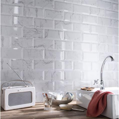 cuisine brico dépôt modèles carrelage blanc mural