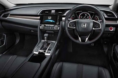 honda civic   coming   showroom