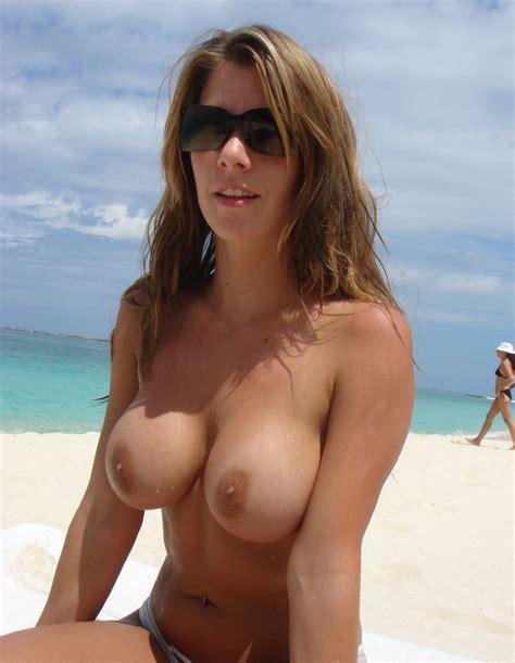 instantfap beach milf tits
