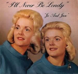 Coiffure Années 60 : ces coiffures gonfl es pour femmes des ann es 60 2tout2rien ~ Melissatoandfro.com Idées de Décoration