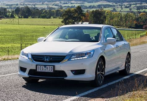 Honda Accord 2016 Review 2016 honda accord hybrid review the wheel