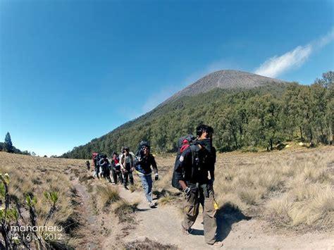 jalur pendakian  gunung semeru dibuka bulan mei