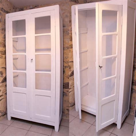 armoire de chambre blanche restaurer vielle armoire enfant redonner vie à un meuble