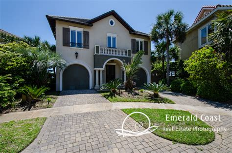 photographing homes emerald coast real estate photography destin homes
