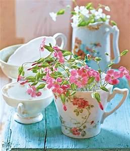 Geschirr Mit Blumen : dekorative vasen aus alltagsgegenst nden selber machen living at home ~ Frokenaadalensverden.com Haus und Dekorationen