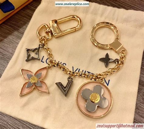 louis vuitton blooming flowers chain bag charm    wwwzealreplicapl