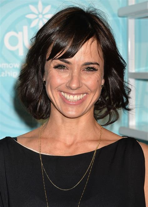 constance zimmer short wavy hairstyle  bangs  women   styles weekly