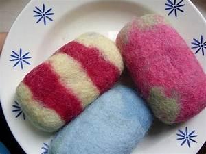 Seife Mit Kindern Herstellen : seifen einfilzen seifen filzen und eltern ~ Lizthompson.info Haus und Dekorationen