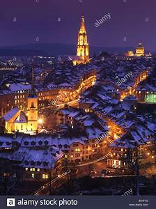 Town City Bern Berne old town at night night winter snow ...