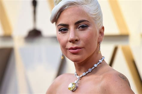 Lady Gaga's Oscars Dress & Tiffany Diamonds Turn Heads at ...