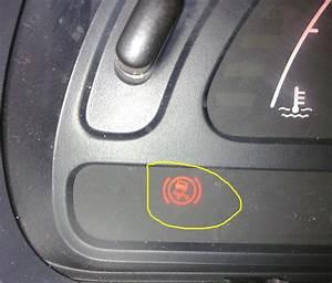 Voyant Esp Allumé : clio 3 voyant abs allum blog sur les voitures ~ Gottalentnigeria.com Avis de Voitures