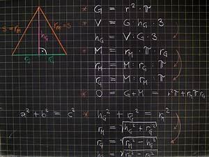 Höhe Von Pyramide Berechnen : mathematik geometrie tafelbilder pyramide berechnungen ~ Themetempest.com Abrechnung