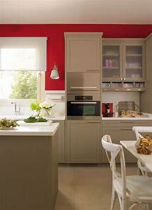 modern beige kitchen design with red walls digsdigs With cuisine rouge et beige