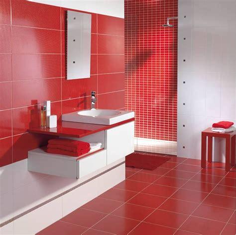 cuisine blanc et faience salle de bain et blanc