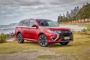 2017 Mitsubishi Outlander PHEV Review Photos CarAdvice