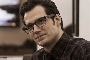 Clark Kent's Glasses Actually Are A Good Enough Disguise ...