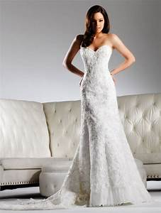 Ivory lace fit and flare wedding dress with sweetheart for Sweetheart neckline wedding dress lace