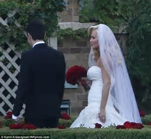 Jenny McCarthy marries Donnie Wahlberg in intimate ...