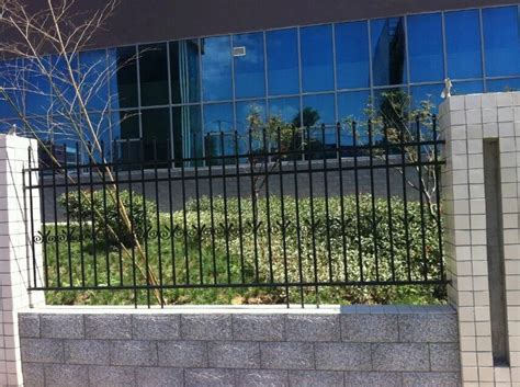 Guangzhou Manufacturer Prices Of Aluminum Garden Fence
