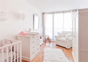 Chambre De Bébé : jolie chambre blanc gris cerise et petits pois ~ Teatrodelosmanantiales.com Idées de Décoration