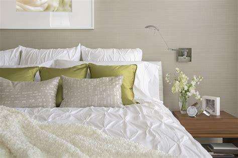 throw pillows  night