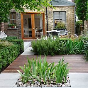 Small garden ideas small garden designs ideal home for Small garden pictures ideas