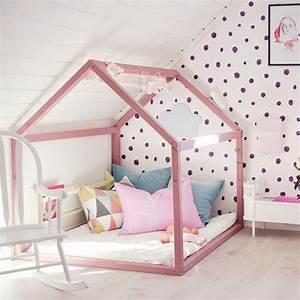 Lit Cabane Au Sol : lit cabane dans une chambre d 39 enfants picslovin ~ Premium-room.com Idées de Décoration