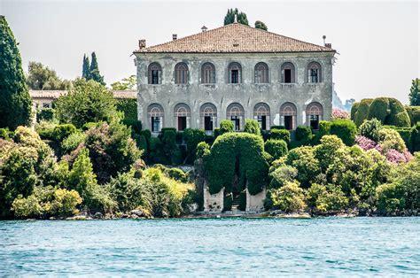 Villa Guarienti di Brenzone seen from the water - Lake ...