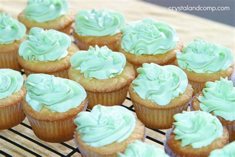 how do you cook cupcakes st patrick s day lucky charm cupcakes