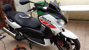 Accessoire Xmax 125 : montage du kit deco racing xmax 400 sur le biroute max 125 ~ Melissatoandfro.com Idées de Décoration