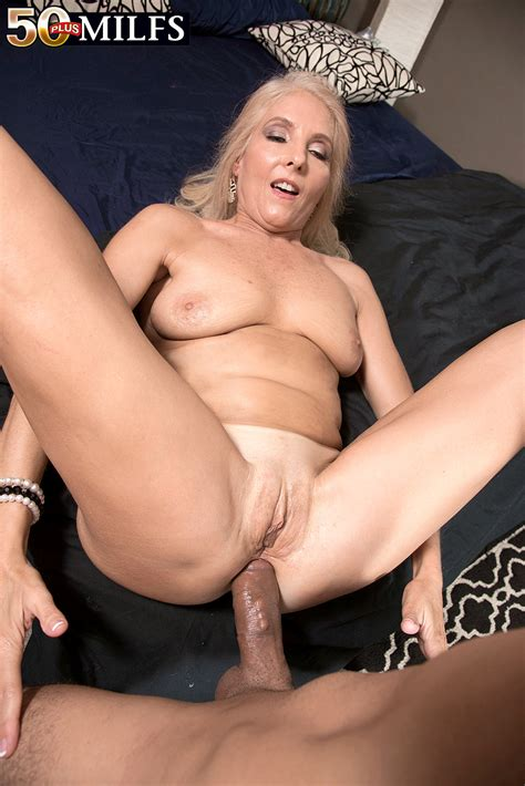 this blonde babe sure loves to have hardcore sex and to be nailed in that beautiful anal hole