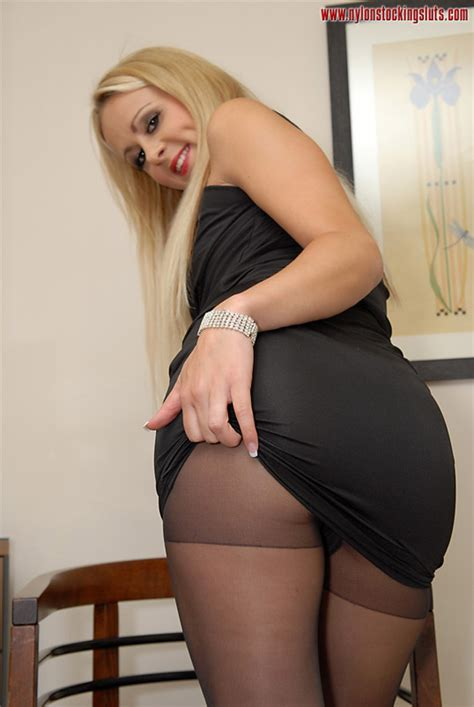 Mature Blonde Milf In Black Nylons And On H Xxx Dessert