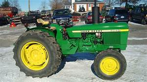 1977 John Deere 2040 Tractors - Utility  40-100hp