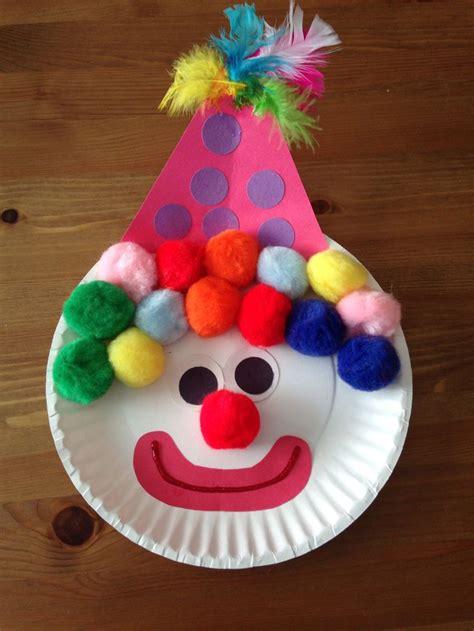 bricolage enfants pas cher et facile pour les vacances d 233 t 233 800 | bricolage enfants pas cher facile clown assiette jetable pompons